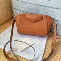 Ladies de alta calidad Mini bolsos de diseño Marcas de diseñador Nano Bolso de hombro con caja de correa Cuero marrón Motocicleta Crossbody Moda Moda Bolsas de honda