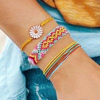 Pulseira 3 pedaço conjunto mão trançada bohemian com margarida floral para mulheres cordas artesanais pulseiras de charme