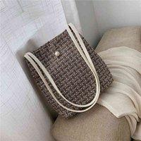 Bucket bag women's 2021 net red new Korean fashion lattice women's bag slant span large capacity shoulder bag C0505