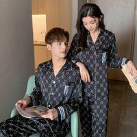 2021 봄 Womens 잠옷 세트 럭셔리 스타일 편지 및 줄무늬 인쇄 잠옷 실크 커플 가정용 옷 남성용 나이트웨어