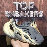 Top Quality Foam Runner Men Women Designer Crocs Slippers Sandals Slides Massage Slide Moon Grey Mineral Blue Summer Beach Flat Luxury Designers Sandal With Box