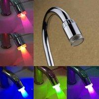 Keukenkranen LED Water Kraan Kleurrijke Stream Licht Badkamer Douche 7 Kleuren Nozzle Head Glow