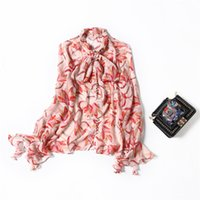 2021 Primavera de manga larga Cuello redondo Negro / Rojo Estampado floral Cinta de seda Bow Single-Blusa elegante Casual Camisa camisas 21m272209