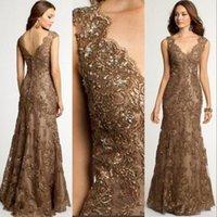 2021 Zarif Anne Kapalı Gelin Elbiseler Mermaid V Boyun Kahverengi Dantel Aplikler Kristal Boncuklu Resmi Düğün Konuk Abiye Artı Boyutu Anneler Elbise