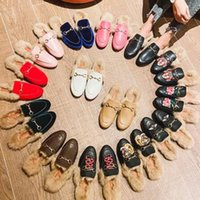 Pelz Maultiere Wohnungen Designer Hausschuhe Frauen Müßiggänger Echtes Leder Sandalen Freizeitschuhe Princetown Metal Kette Schuh Männliche Samt Slipper 2021