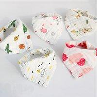 Nyfödda Baby Bibs 8 lager Gaze Bomull Scarf Triangle Burp Cloth Bebe Smock Bandana Jul Tillbehör Tecknad 18 Design 80stws DW5613