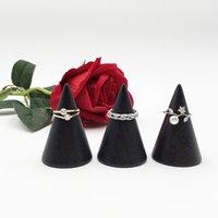 Vintage schwarze Holzringhalter-Display-Kegel-Rack Massivholz-Finger-Schmuckständer-Speicherorganisator Schmuck Ring-Stapel-Showcase 980 T2