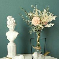 38 cm Yapay Çiçek Ball Chrysanthemum Astilbe El Buket Düğün INS Dekoratif Çiçekler Çelenk Tutuyor
