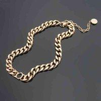 Collier d'amour Femmes Pendentifs rétro Embellissement Bronze Chaîne Chaîne Pendentif Colliers Fashion laiton Bijoux Cadeau
