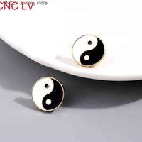 Golden Round Yin Yang Taichi Глазированная серьги для женщин Мужчины Симпатичные эмаль Форма сердца Изучена Корея Геометрические украшения Новый