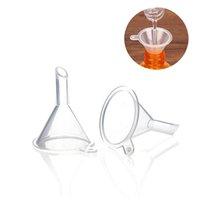 مصغرة قمع البلاستيك الناشر الصغير أدوات المطبخ السائل العطور زجاجة مختبرات النفط للزيوت المواد الكيميائية مزيج الزيوت الأساسية 39 * 31 * 6 ملليمتر GWA5783