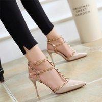 Dress Shoes Sapatos femininos rebites sandálias femininas verão 6cm 10cm de espessura com multa sapatos salto alto apontou stiletto sexy TGXR