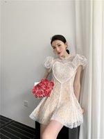 2021 새로운 디자인 여성 여름 퍼프 짧은 소매 O 넥 레이스 패브릭 사랑 하트 Patern 슬림 허리 짧은 드레스 Vestidos SML