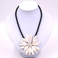 Pendant Necklaces Handmade Freshwater Pearl White Sun Flower Necklace With Woven Leather 20'