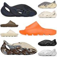yeezy slides kanye west foam runner toboggans mousse coureur hommes femmes pantoufles sandales désert sable résine os plat tongs mens femmes pantoufle sandales formateurs