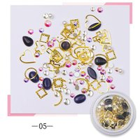 Nail Art Decorations 1 Pot Glitter Rhinestone Crystal Jewelry Gem Metal Stone Pearl Acrylic Gel Tips Decoration Accessories Manicure