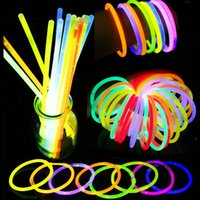 Партия флуоресцентное светлое свечение палочки браслеты ожерелья неоновые свечения палочки одноразовые свечения палочки Xmas Party Saceates Light Stick BH4003 TQQ