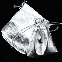 100 шт. / Лот 9 * 12см Серебряный атласный Симпатичный Чехол Подарок Drawstring Маленький Свадебный Браслет Подвески Ювелирные Упаковки Упаковки