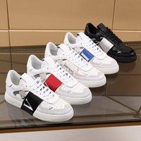 Valentino shoes 2021 Moda Rahat Ayakkabılar Patchwork Trendy Sneakers Bayanlar Punk Rivet Düşük Üst Erkek Deri Kaykay Çiviler Spor Kaykay Spor Ayakkabı