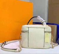 Kadın Kozmetik Kılıfları Kabartmalı Deri Chic Tasarımcı Mektup Çiçek Çanta Omuz Askısı Içinde Cep Çift Zip Vanity Çanta