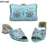 Ankunft Himmel Blaue Farbe Damen Italienische Schuhe und Tasche Set verziert mit Strass Nigerianische Frauen Passende Taschen Kleid