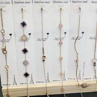 Simple Romain Titanium Digital Titanium Fournisseur d'Acier Or Color Bracelet Bracelet Fashion Street Photo avec une cheville fin Rose