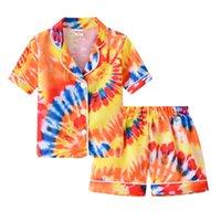 Enfants Vêtements Ensembles Girl Garçons Tie Colory Pajamas Outfits Enfants Diplôme de gradient + Shorts 2pcs / Set Tête de nuit d'été Vêtements de boutique 1503 B3