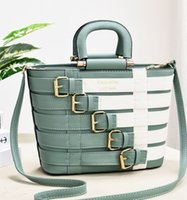 Trendy new ladies bags 2021 autumn winter personality European and American fashion large-capacity handbags cross-border shoulder messenger