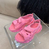 2021 Slippers Sandals Sandalias Sandalias Senderismo Zapatos de verano Para Mujer Hook Loop Zapatos De Mujer Plata Plana Plana Playa Slide Slide Sneaky