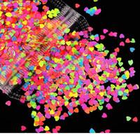 1 Tasche Bunte 3D Neon Neon Rosa / Gelb / Blau Pailletten Schmetterling und Herz Muster Nail art Glitter Flocken Nail art POWDER DE JLLTCO