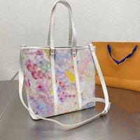 2021 الصيف كبير كتابات جلدية اليد حقائب اللوحة الملونة مطبوعة مصمم النساء حمل حقيبة حقائب فلازياء مصممي الأفاق الأم الأم التسوق الكتف