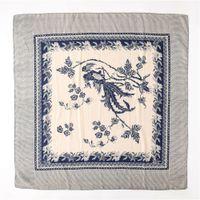 2021 Новая коллекция Белый Синий Цветок Печать Cato Square Шарф Женщины Тонкая Света сидящий Шарф Лето Леди Hijab 100 * 100 см