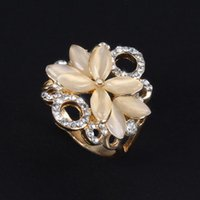 Cluster Rings Glamour Lady Ring Champagne Gold Flower Shaped Zircon Engagement Charm Fashion Jewelry Girlfriend Birthday Gift Jewellery