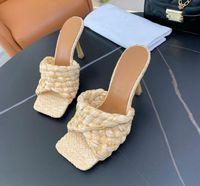 Дизайнерские женские сандалии, выдолбленные логотип плоские тапочки шипованные девочки скольжения кожаные тапочки пляж шлепанцы размером 35-40 с коробкой