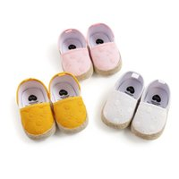 First Walkers 2021 Infant Baby Crib Shoes Cute Embroidered Floral Princess Dress Anti-Slip Toddler
