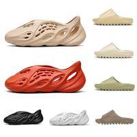 yeezy slaytlar Yaz 450s erkek kadın terlik moda slaytlar üçlü siyah beyaz gri açık erkek düz flip floplar plaj otel platformu sandaletler 36-45