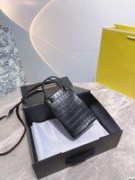 (avec boîte cadeau) 21SS Mode Show Womens Mini Totes Sac Shopping Porte-Téléphone Balencaiga Geninue Cuisine Sacs à bandoulière Crocodien Limited 12 * 18 500J #