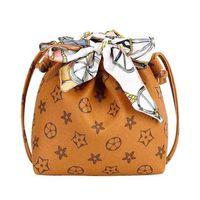 Mini Tote Girls Bags Niños Bolsa de hombro Seda Bufanda con bolso de cubo portátiles Bolsos de mano Bolsos Diseñador de moda G4Y7LRO