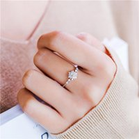 Cluster Rings For Women Chic Crystal Snowflake + Zircon Flower Rose Light Yellow Gold Color Gift Fashion Jewelry KBR133