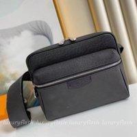 Mens Designers OUTDOOR Messenger Bag Shouler Cross Body Fashion Students Luxurys Design Zipper Womens Handbags Adjustable Shoulder Strap