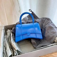 Handbags Womens 2021 Padrão de Crocodilo Nicho Francês B- Shaped Hourglass de Alta Classe Rosa Mensageiro