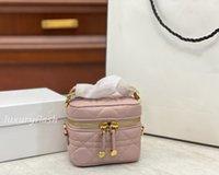 2021 미니 화장품 가방 여행 허영심 가방 어깨 지갑 Womens Crossbody 지갑 패션 LuxUrys 브랜드 스트랩으로 고품질의 내구성 핸드백