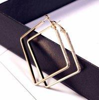 Orecchini di cerchio quadrato del cerchio delle donne orecchini del cerchio classico del metallo di stile semplice e paillettes scintillanti di paillettes e paillettes spumanti Huggie