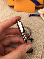 Com caixa LED metal preto couro keychain leopardo charme chaveiro moda carro titular anel acessórios presente k52