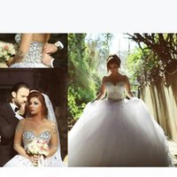 2021 Long Sleeve Ball Gown Wedding Dresses with Rhinestones Crystals Cap Sleeve Wedding Party Dress Bridal Gowns