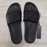 고품질 Luxurys 디자이너 여성 샌들 패션 6 색 블루 화이트 레드 블랙 골드 실버 플랫 플랫 플립 플롭 남자 슬라이트 슬리퍼 US 7-12