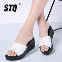 Тапочки STQ 2021 Летние Женщины Плоские Сандалии Обувь Слайды Пляжная платформа Круглый Носок Белые Флопцы 556