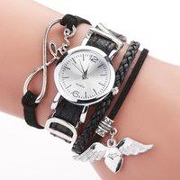 女性のための腕時計の腕時計のための腕時計の銀心のペンダントレザーベルトクォーツ時計レディースドレスリストブレスレット腕時計Zegarek Damski