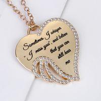 Ali d'angelo con diamanti Lettera Collana Wings Love Pendant Collana