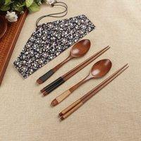 2pcs / Set portable Boîtes de baguettes en bois cuillère Vaisselle Ensemble de sacs de pack de tissu floral Voyage Portable Vaisselle de vaisselle en bois